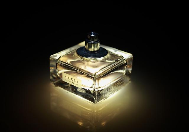 Dlaczego warto kupować próbki markowych perfum?